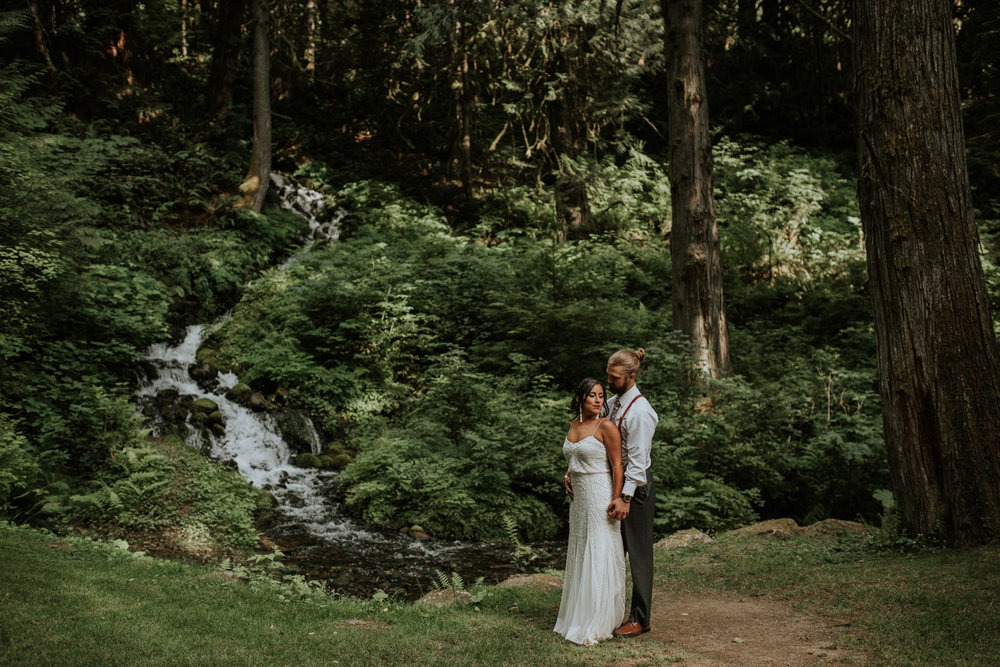 intimate-boho-campfire-wedding-shangri-la-on-the-green-seattle-wedding-photographer-caitlyn-nikula-photography-92.jpg