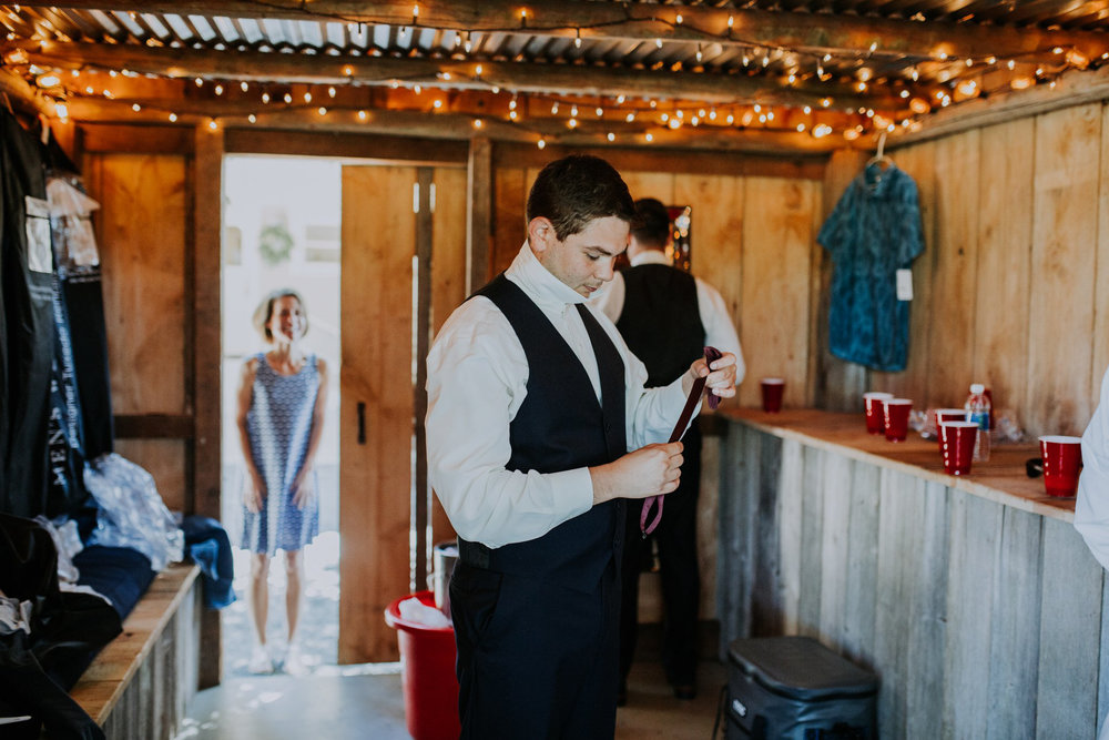 kristen-and-cody-the-kelley-farm-wedding-seattle-photographer-caitlyn-nikula-22.jpg