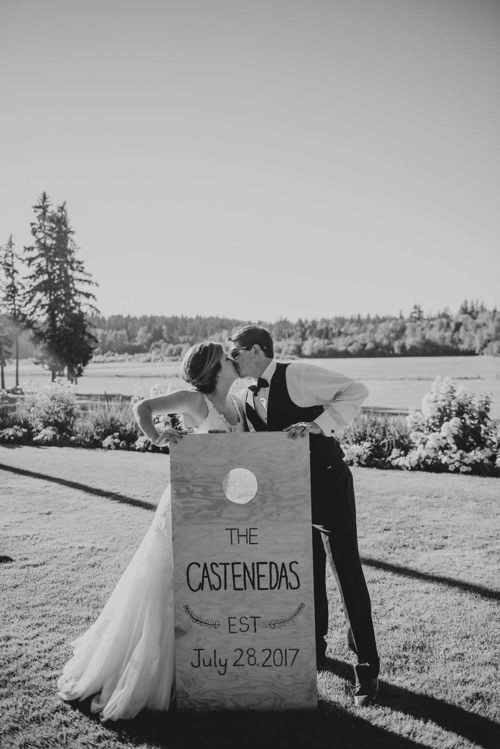 kristen-and-cody-the-kelley-farm-wedding-seattle-photographer-caitlyn-nikula-78.jpg