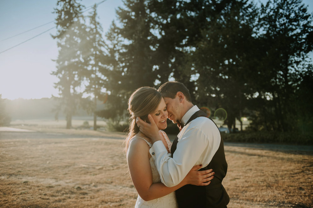 kristen-and-cody-the-kelley-farm-wedding-seattle-photographer-caitlyn-nikula-92.jpg