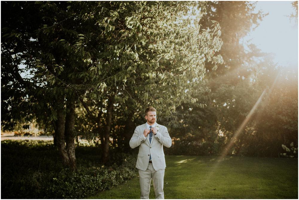 mona-and-matthew-the-kelley-farm-wedding-seattle-washington-wedding-photographer-60.jpg