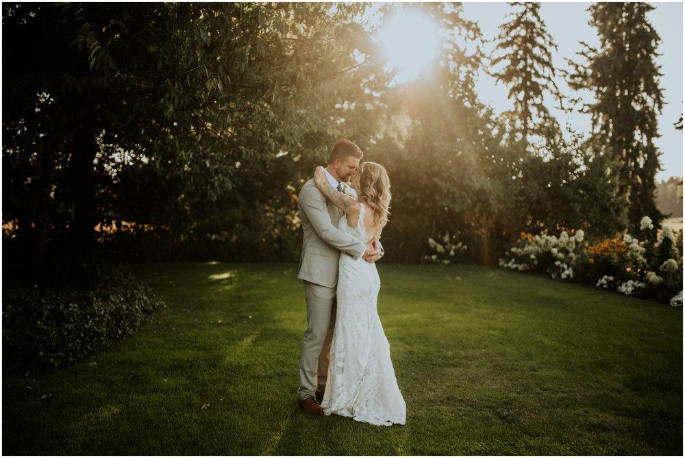 mona-and-matthew-the-kelley-farm-wedding-seattle-washington-wedding-photographer-61.jpg