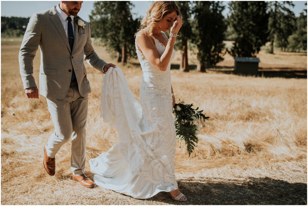mona-and-matthew-the-kelley-farm-wedding-seattle-washington-wedding-photographer-71.jpg