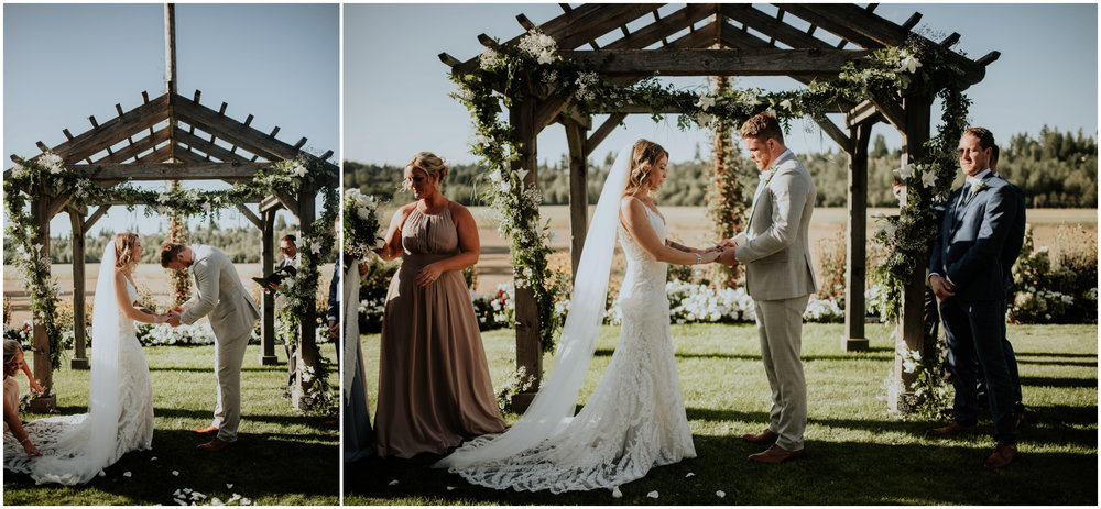 mona-and-matthew-the-kelley-farm-wedding-seattle-washington-wedding-photographer-82.jpg