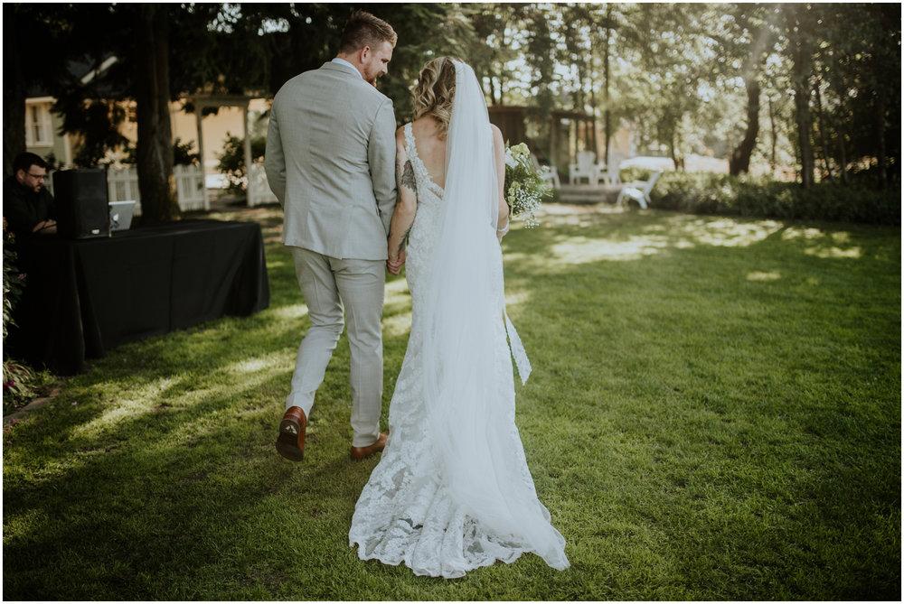 mona-and-matthew-the-kelley-farm-wedding-seattle-washington-wedding-photographer-88.jpg