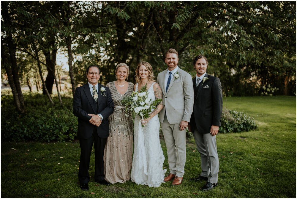 mona-and-matthew-the-kelley-farm-wedding-seattle-washington-wedding-photographer-92.jpg