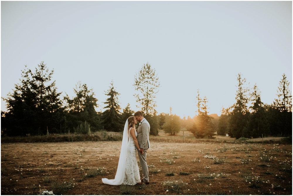 mona-and-matthew-the-kelley-farm-wedding-seattle-washington-wedding-photographer-126.jpg