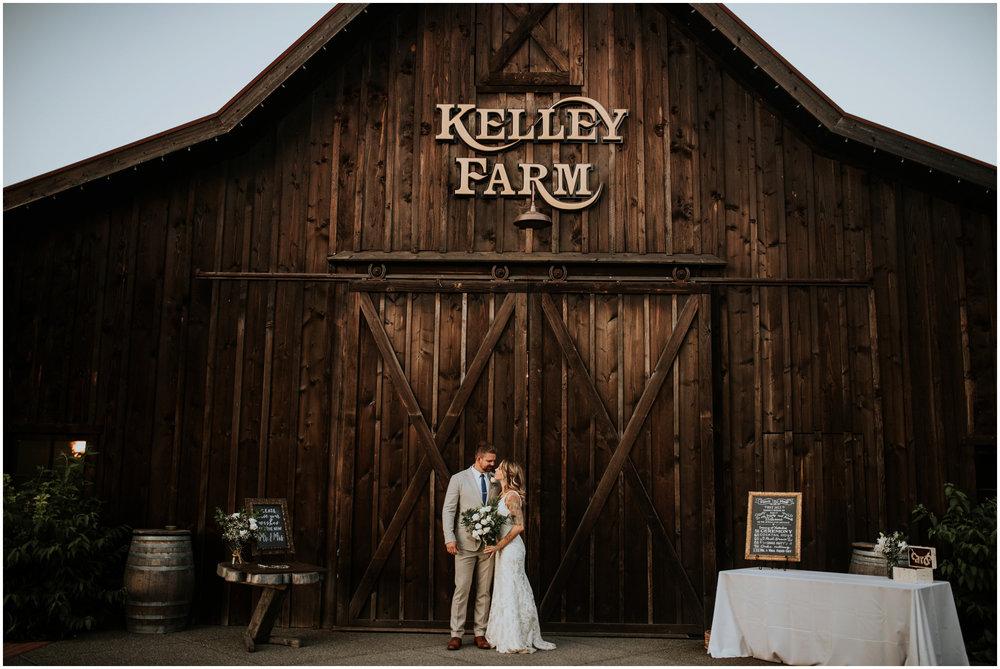 mona-and-matthew-the-kelley-farm-wedding-seattle-washington-wedding-photographer-129.jpg