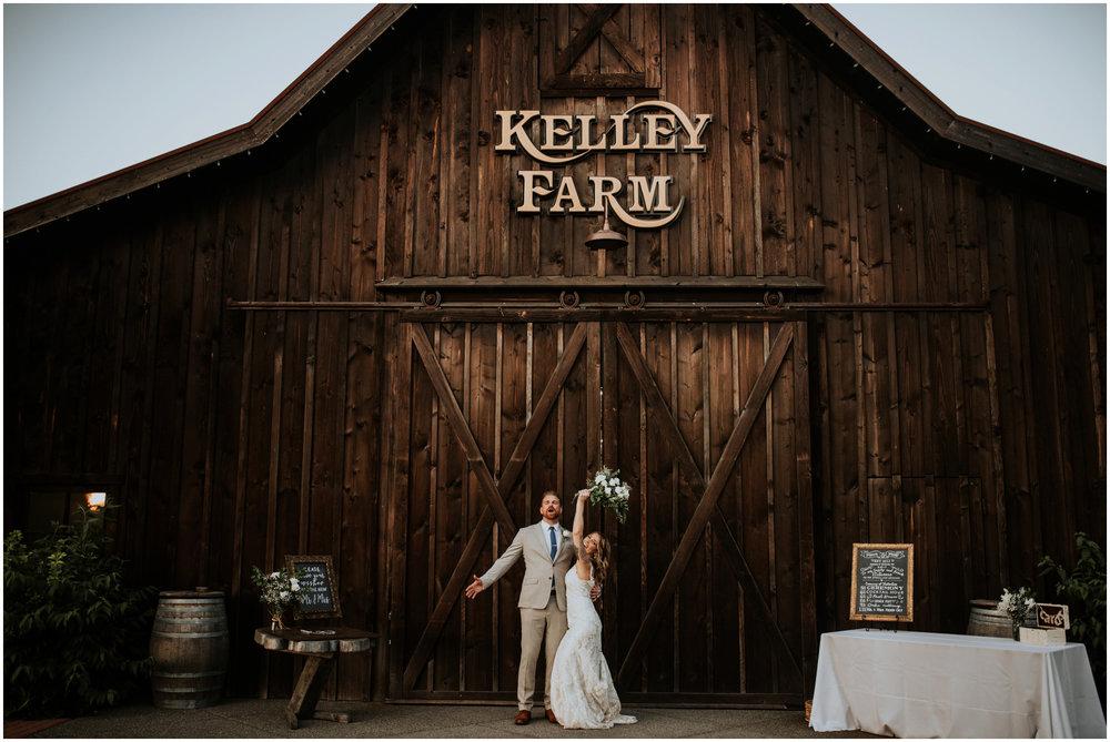 mona-and-matthew-the-kelley-farm-wedding-seattle-washington-wedding-photographer-130.jpg