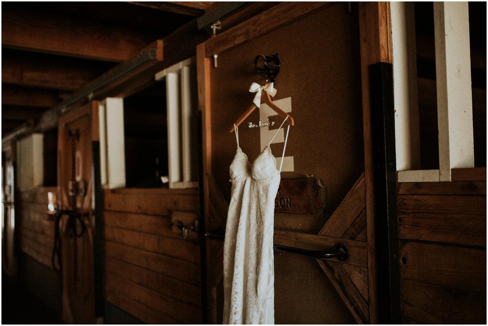 london-trace-rein-fire-ranch-wedding-seattle-wedding-photographer-caitlyn-nikula-photography-1.jpg
