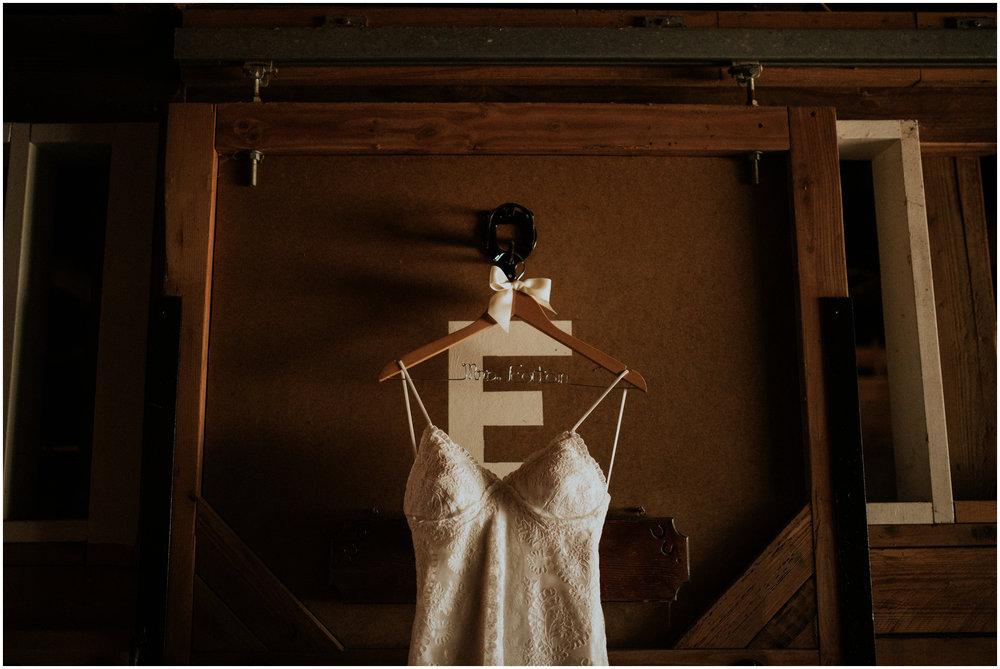 london-trace-rein-fire-ranch-wedding-seattle-wedding-photographer-caitlyn-nikula-photography-2.jpg