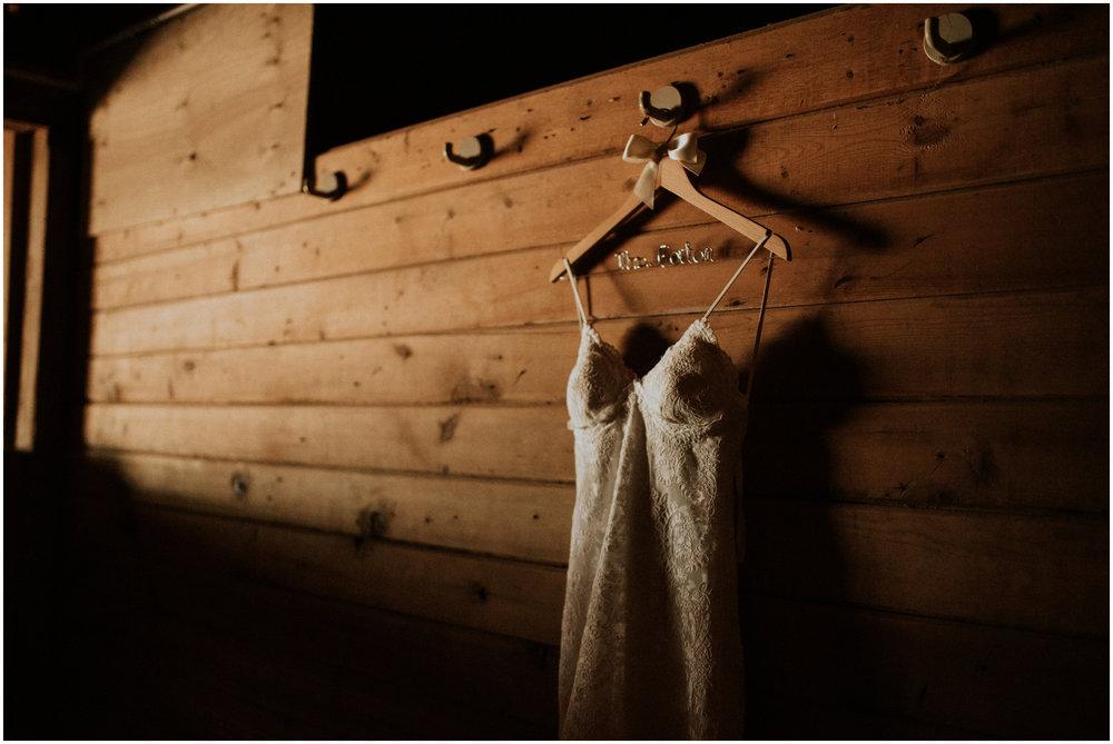 london-trace-rein-fire-ranch-wedding-seattle-wedding-photographer-caitlyn-nikula-photography-3.jpg
