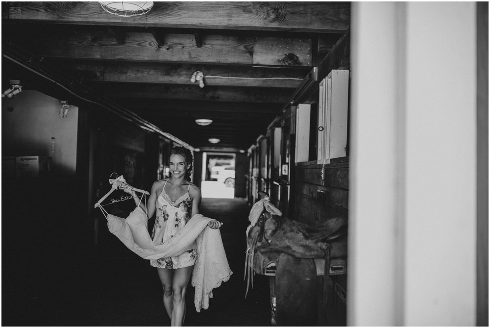london-trace-rein-fire-ranch-wedding-seattle-wedding-photographer-caitlyn-nikula-photography-13.jpg