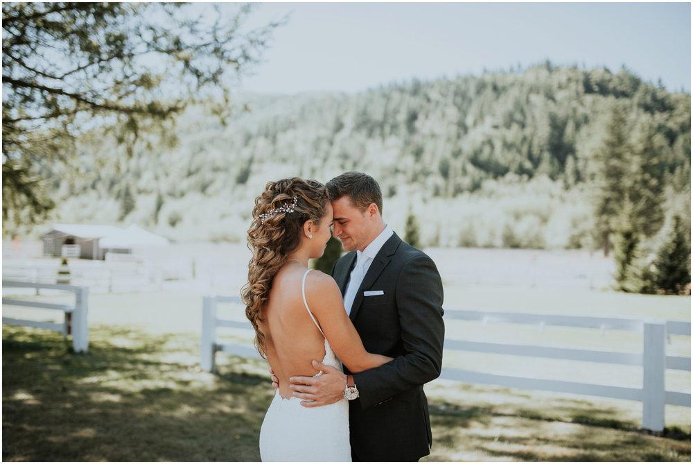 london-trace-rein-fire-ranch-wedding-seattle-wedding-photographer-caitlyn-nikula-photography-25.jpg