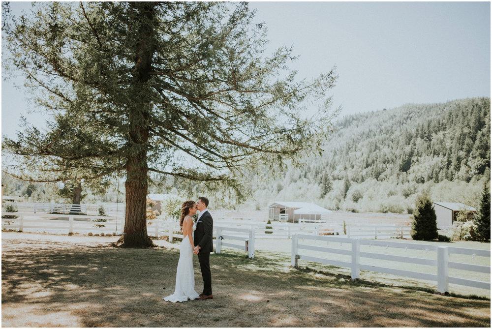 london-trace-rein-fire-ranch-wedding-seattle-wedding-photographer-caitlyn-nikula-photography-34.jpg