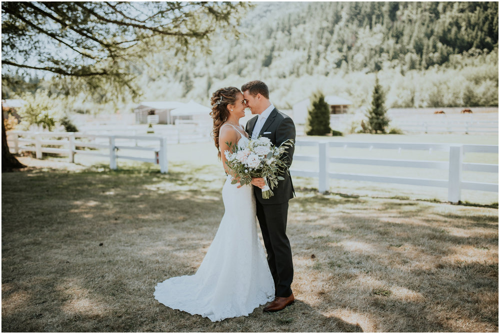 london-trace-rein-fire-ranch-wedding-seattle-wedding-photographer-caitlyn-nikula-photography-38.jpg