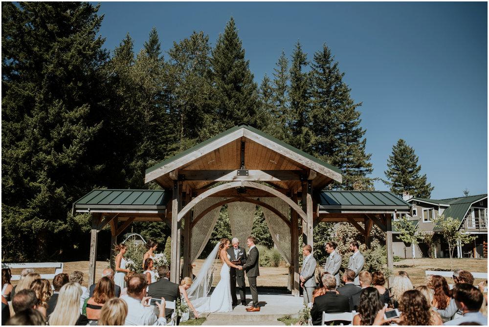 london-trace-rein-fire-ranch-wedding-seattle-wedding-photographer-caitlyn-nikula-photography-57.jpg