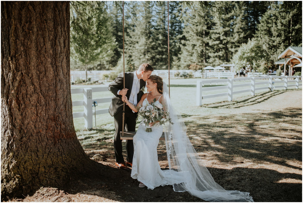 london-trace-rein-fire-ranch-wedding-seattle-wedding-photographer-caitlyn-nikula-photography-60.jpg