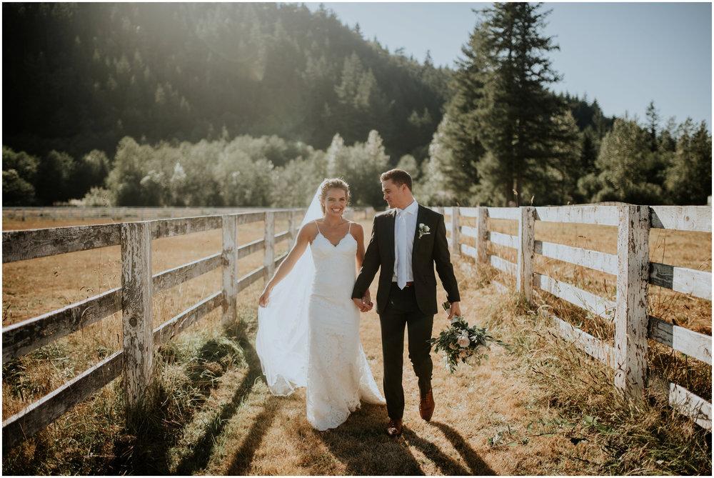 london-trace-rein-fire-ranch-wedding-seattle-wedding-photographer-caitlyn-nikula-photography-70.jpg