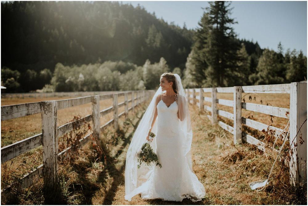 london-trace-rein-fire-ranch-wedding-seattle-wedding-photographer-caitlyn-nikula-photography-72.jpg