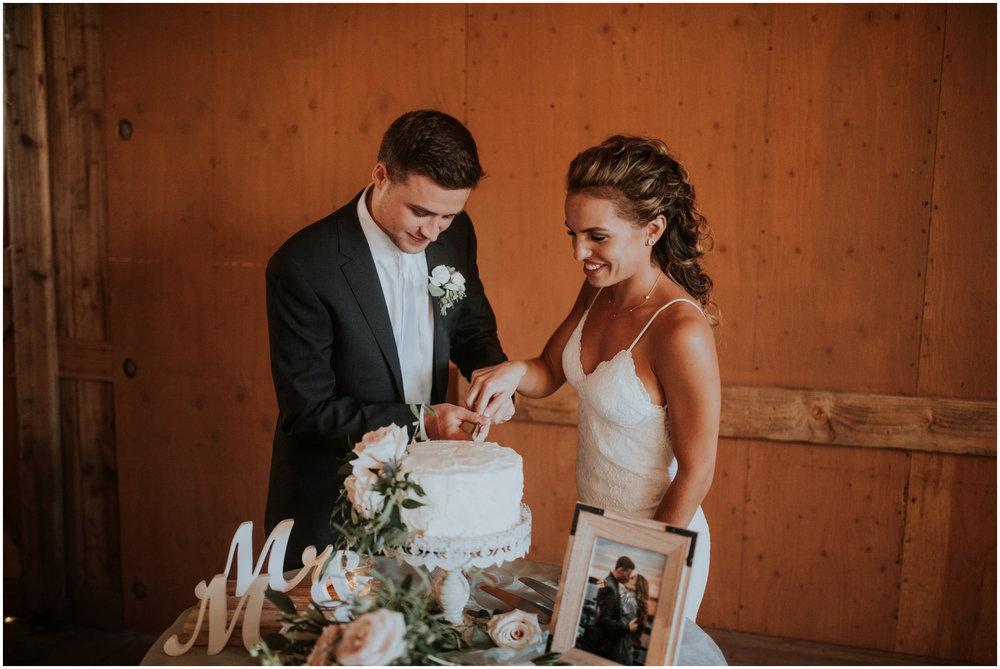 london-trace-rein-fire-ranch-wedding-seattle-wedding-photographer-caitlyn-nikula-photography-90.jpg