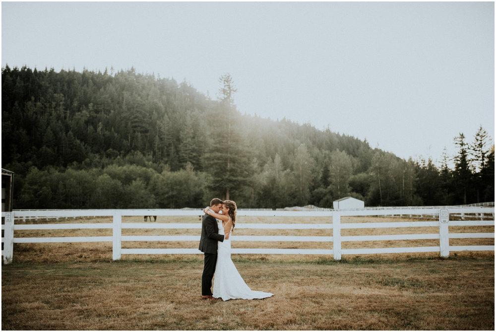 london-trace-rein-fire-ranch-wedding-seattle-wedding-photographer-caitlyn-nikula-photography-98.jpg