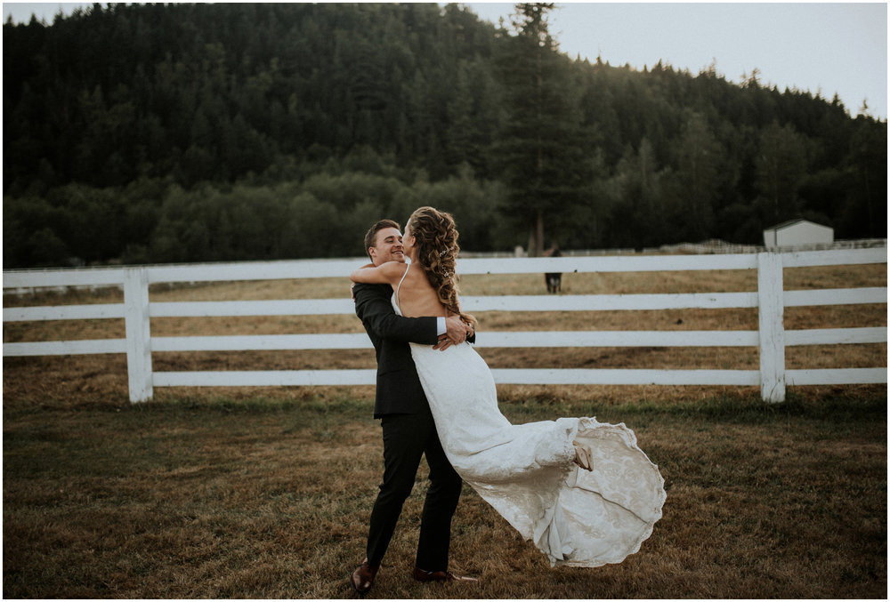 london-trace-rein-fire-ranch-wedding-seattle-wedding-photographer-caitlyn-nikula-photography-108.jpg