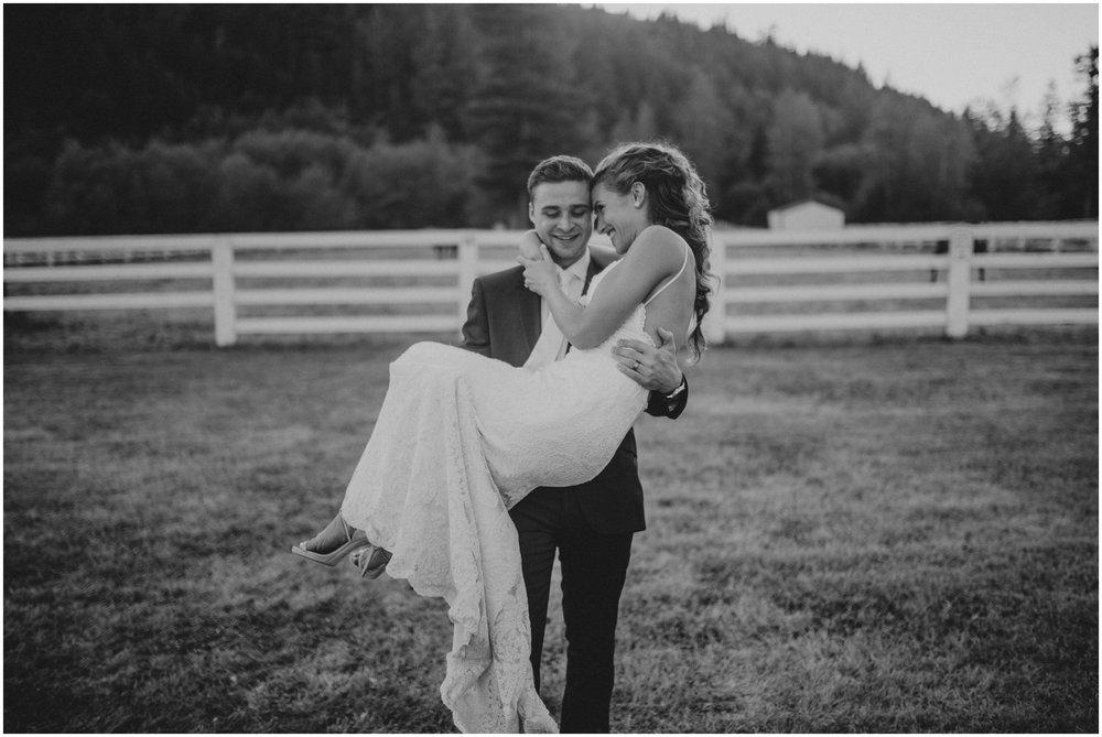 london-trace-rein-fire-ranch-wedding-seattle-wedding-photographer-caitlyn-nikula-photography-112.jpg