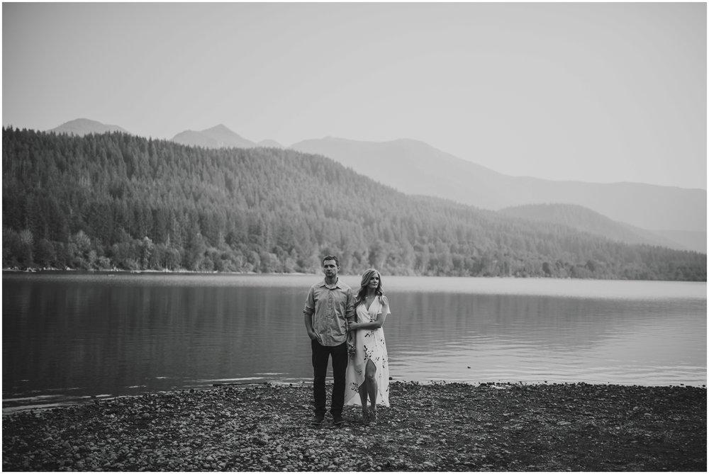 alicia-and-andy-rattlesnake-lake-engagement-session-seattle-wedding-photographer-caitlyn-nikula-019.jpg