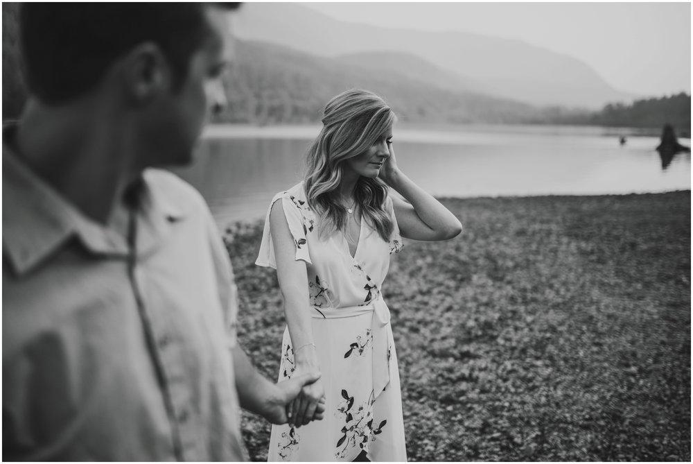 alicia-and-andy-rattlesnake-lake-engagement-session-seattle-wedding-photographer-caitlyn-nikula-022.jpg