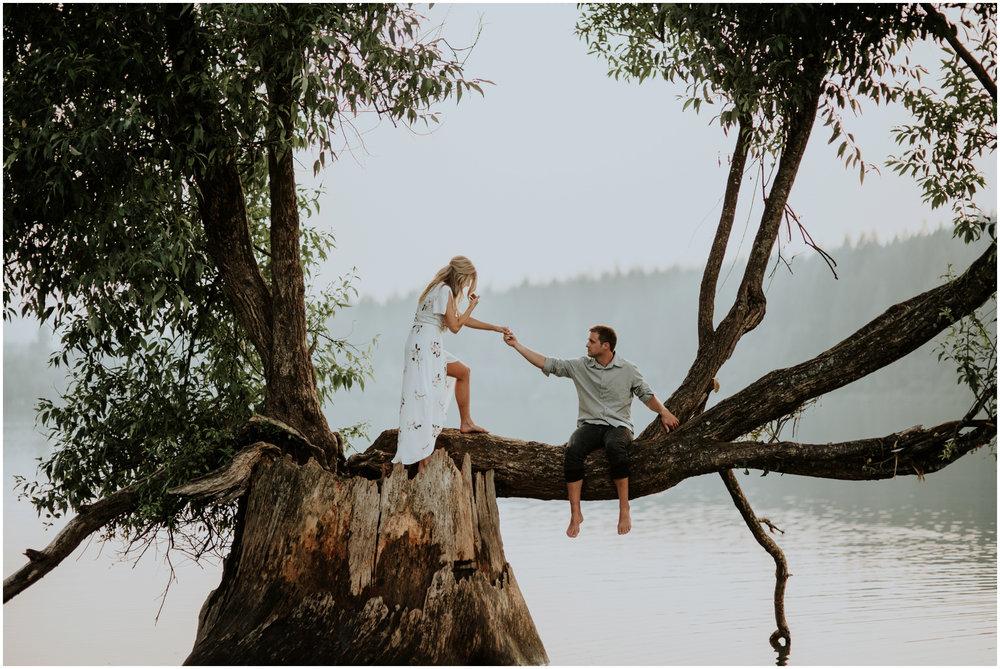 alicia-and-andy-rattlesnake-lake-engagement-session-seattle-wedding-photographer-caitlyn-nikula-025.jpg
