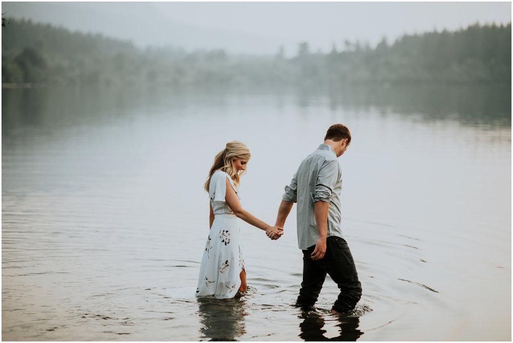 alicia-and-andy-rattlesnake-lake-engagement-session-seattle-wedding-photographer-caitlyn-nikula-029.jpg