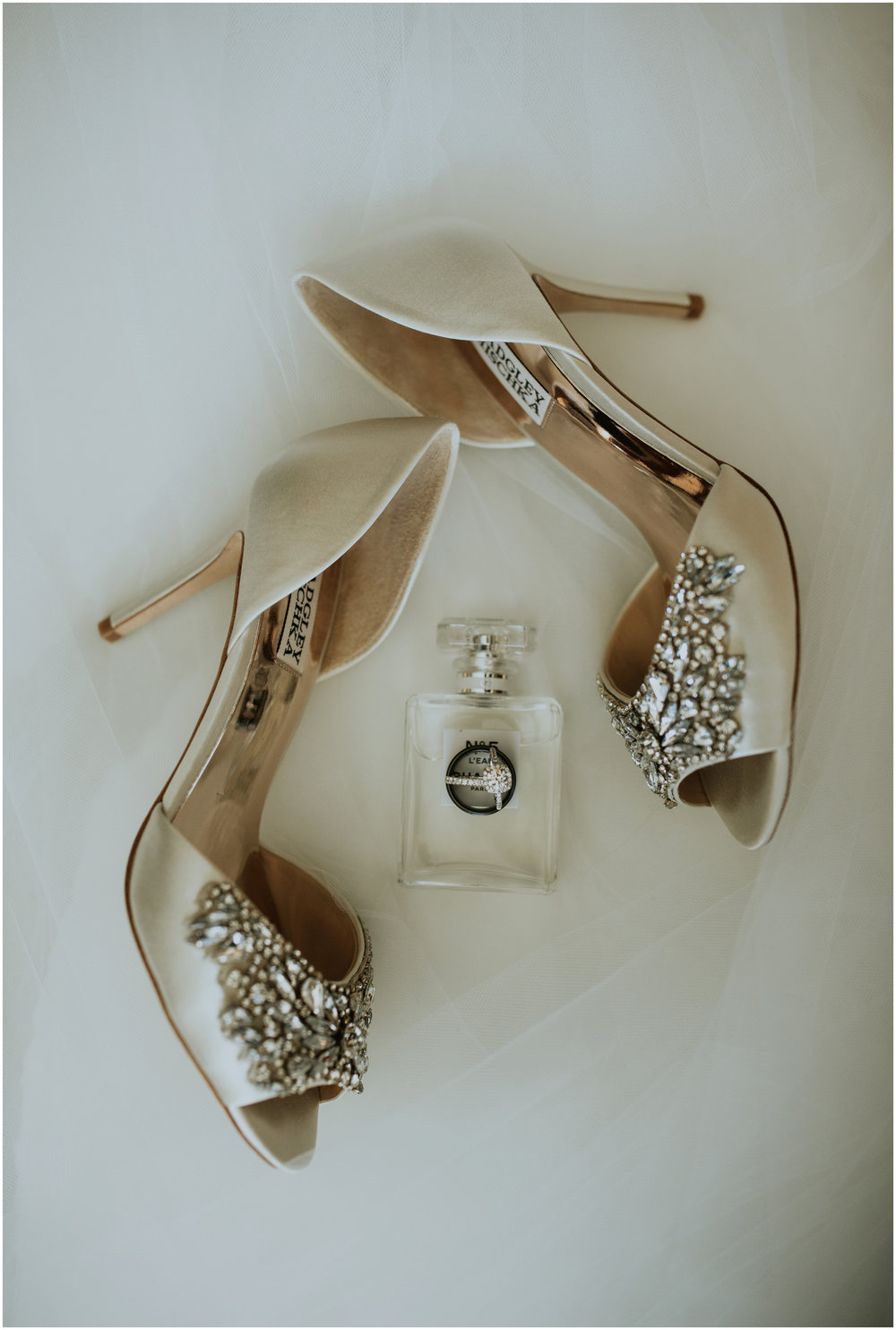 sahar-and-robert-hyatt-regency-lake-washington-wedding-photographer-caitlyn-nikula-006.jpg