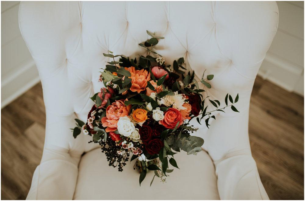 the-farmhouse-wedding-montgomery-texas-erin-nathan-houston-wedding-photographer-caitlyn-nikula-004.jpg