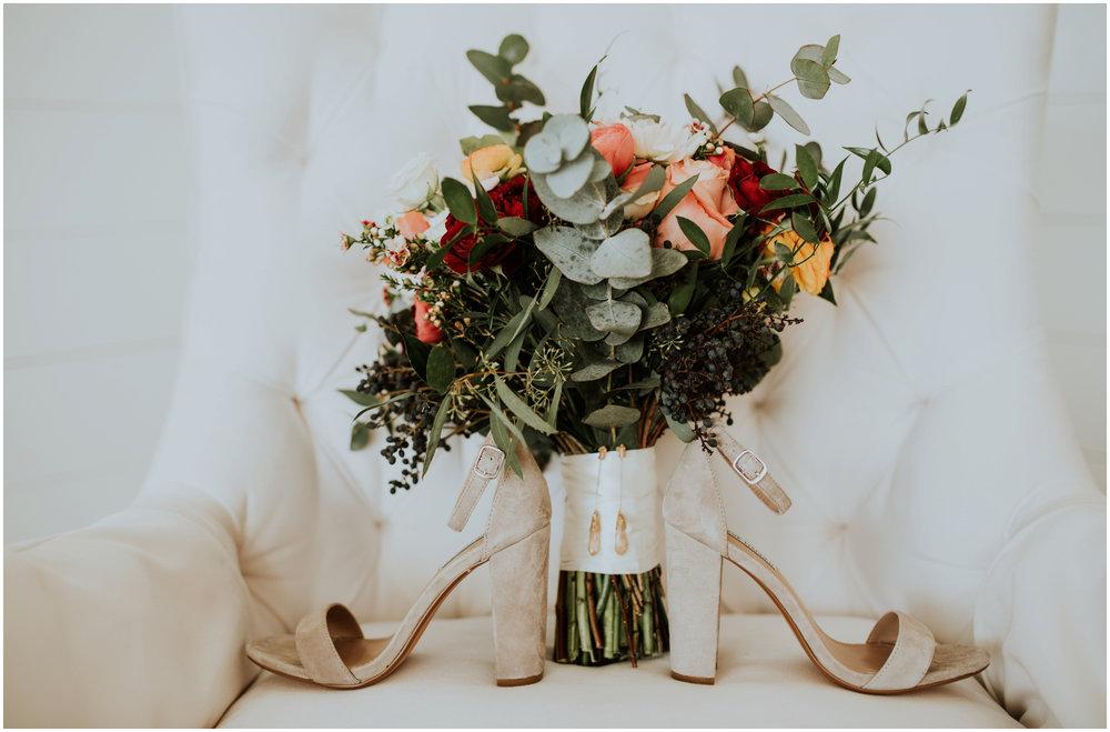 the-farmhouse-wedding-montgomery-texas-erin-nathan-houston-wedding-photographer-caitlyn-nikula-006.jpg