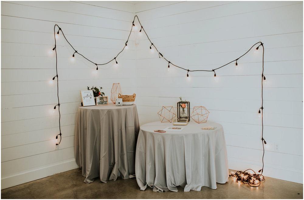 the-farmhouse-wedding-montgomery-texas-erin-nathan-houston-wedding-photographer-caitlyn-nikula-008.jpg