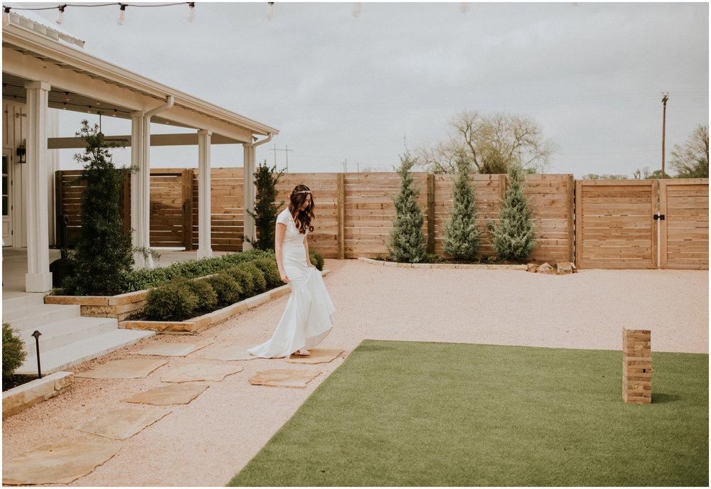 the-farmhouse-wedding-montgomery-texas-erin-nathan-houston-wedding-photographer-caitlyn-nikula-051.jpg