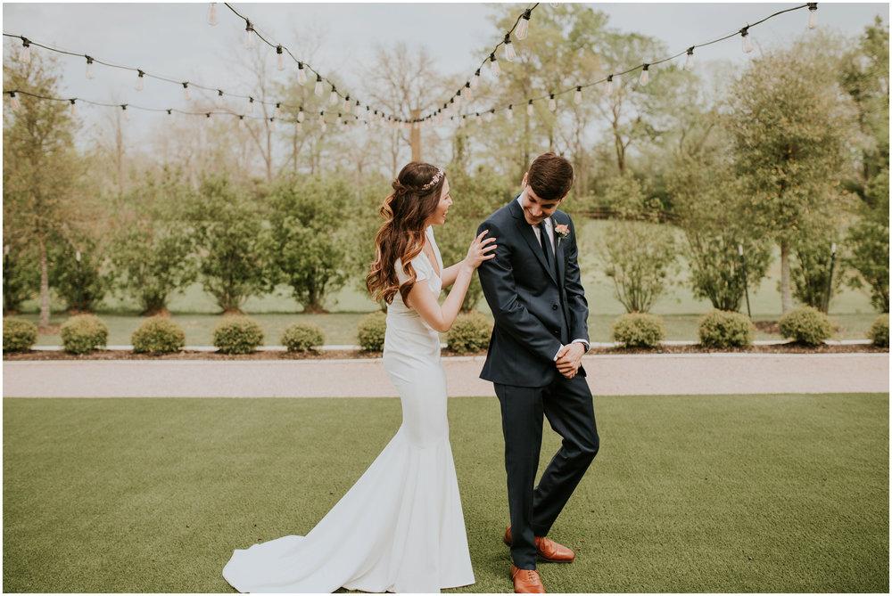 the-farmhouse-wedding-montgomery-texas-erin-nathan-houston-wedding-photographer-caitlyn-nikula-053.jpg