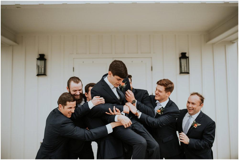 the-farmhouse-wedding-montgomery-texas-erin-nathan-houston-wedding-photographer-caitlyn-nikula-080.jpg