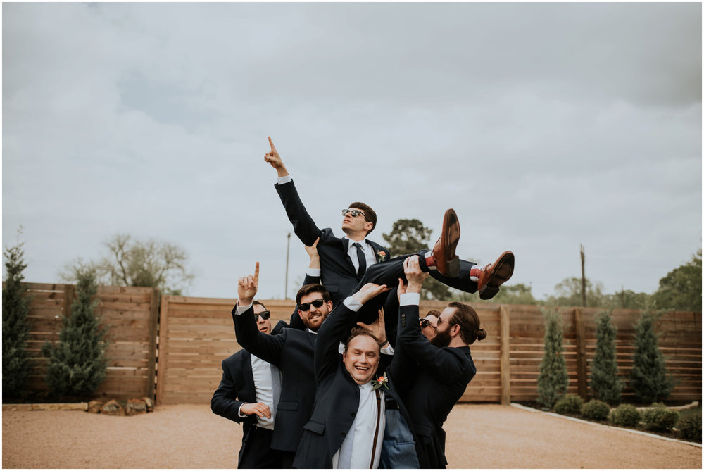 the-farmhouse-wedding-montgomery-texas-erin-nathan-houston-wedding-photographer-caitlyn-nikula-081.jpg