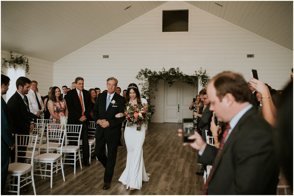 the-farmhouse-wedding-montgomery-texas-erin-nathan-houston-wedding-photographer-caitlyn-nikula-096.jpg