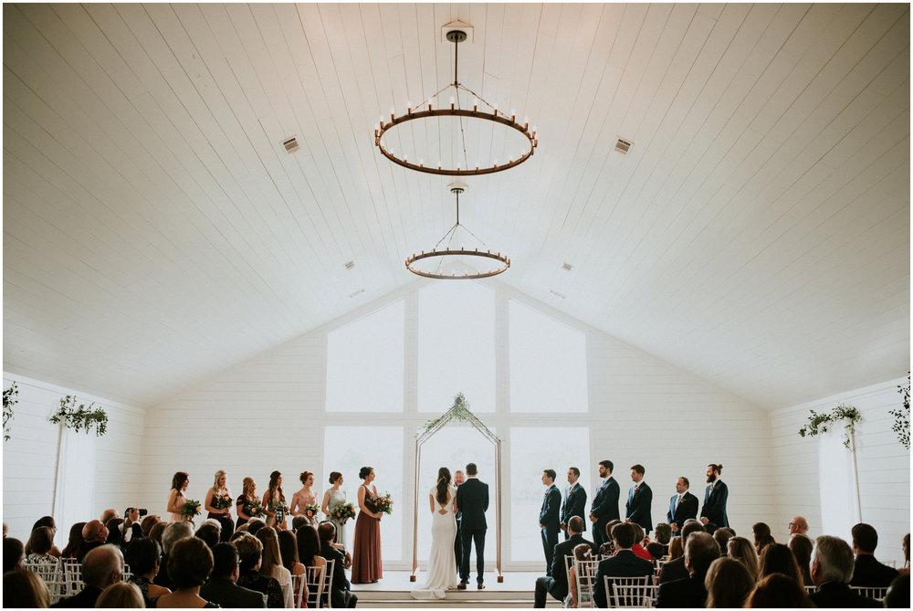 the-farmhouse-wedding-montgomery-texas-erin-nathan-houston-wedding-photographer-caitlyn-nikula-099.jpg