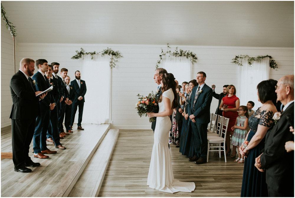 the-farmhouse-wedding-montgomery-texas-erin-nathan-houston-wedding-photographer-caitlyn-nikula-098.jpg