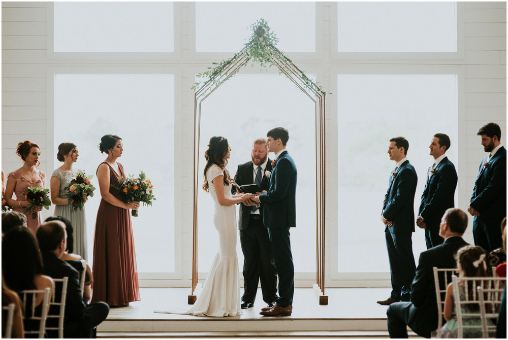 the-farmhouse-wedding-montgomery-texas-erin-nathan-houston-wedding-photographer-caitlyn-nikula-104.jpg