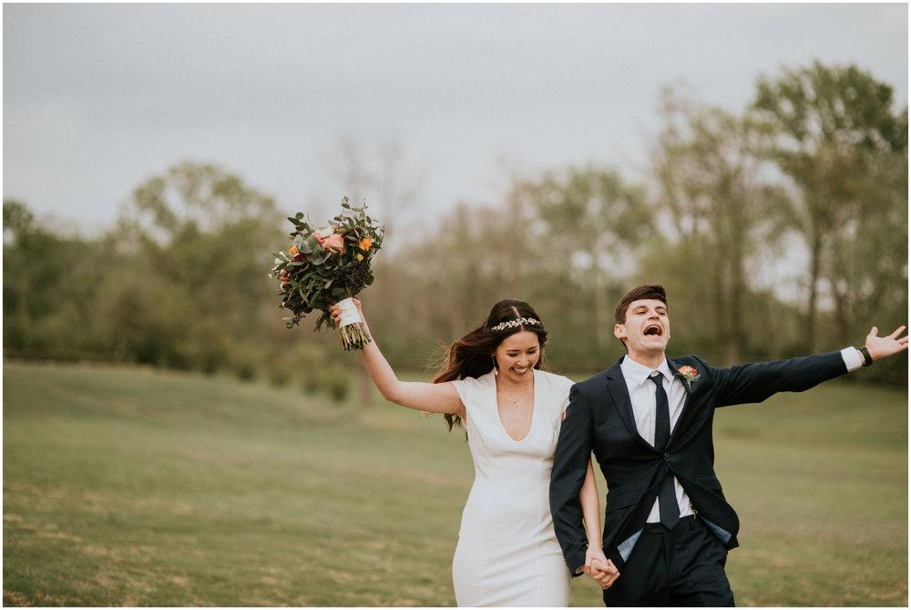 the-farmhouse-wedding-montgomery-texas-erin-nathan-houston-wedding-photographer-caitlyn-nikula-111.jpg