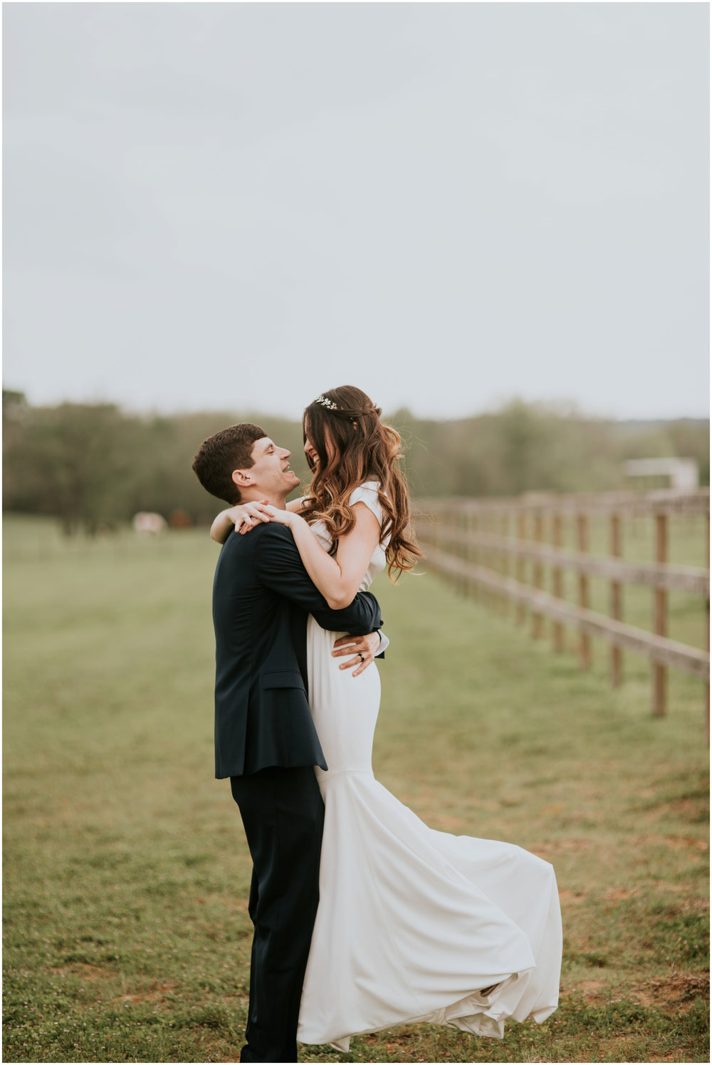 the-farmhouse-wedding-montgomery-texas-erin-nathan-houston-wedding-photographer-caitlyn-nikula-121.jpg