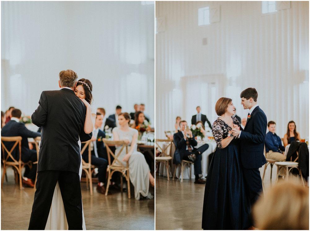 the-farmhouse-wedding-montgomery-texas-erin-nathan-houston-wedding-photographer-caitlyn-nikula-124.jpg