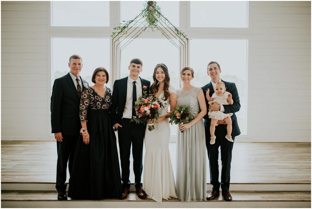 the-farmhouse-wedding-montgomery-texas-erin-nathan-houston-wedding-photographer-caitlyn-nikula-128.jpg