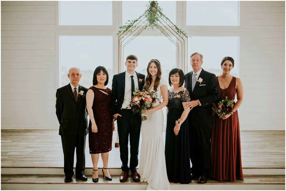 the-farmhouse-wedding-montgomery-texas-erin-nathan-houston-wedding-photographer-caitlyn-nikula-130.jpg