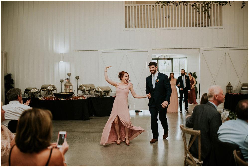 the-farmhouse-wedding-montgomery-texas-erin-nathan-houston-wedding-photographer-caitlyn-nikula-140.jpg